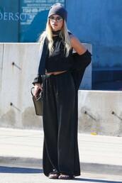 pants,top,sofia richie,all black everything,grunge,beanie,streetstyle,wide-leg pants,sunglasses