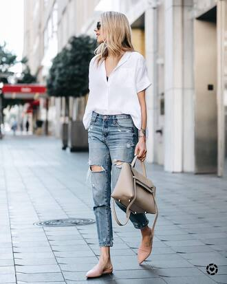 shirt pink flats tumblr white shirt denim jeans blue jeans ripped jeans flats bag nude bag shoes