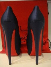 shoes,louboutin,high heel pumps,black heels