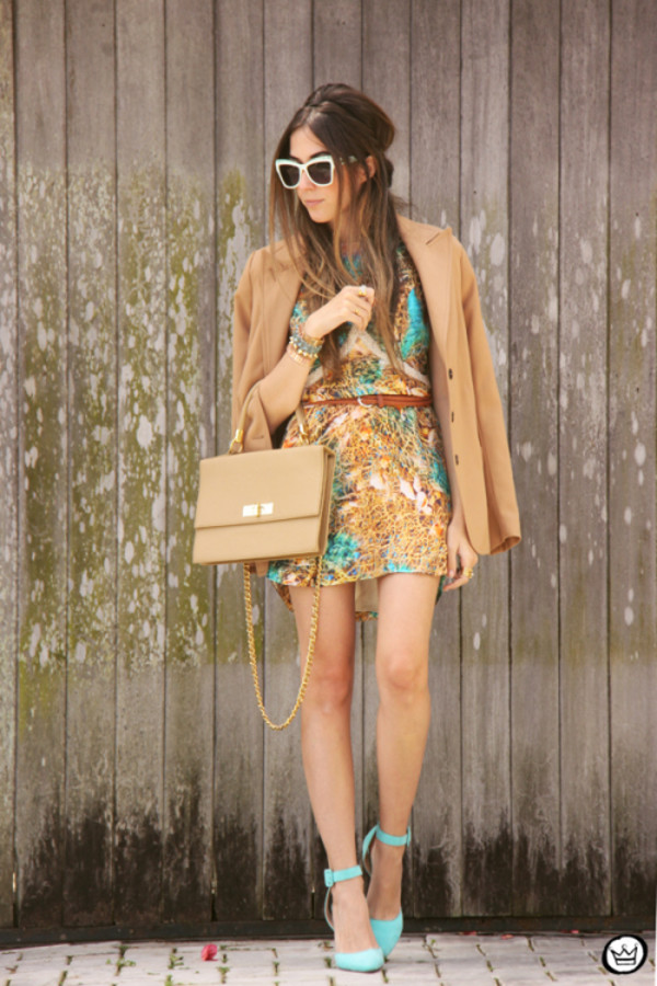fashion coolture blogger jacket bag sunglasses print camel