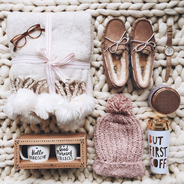 shoes tumblr chunky knit blanket slippers glasses beanie pom pom beanie watch loafers moccasins holiday gift gift ideas holiday season