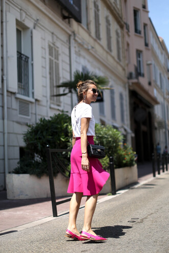 t-shirt tumblr white t-shirt skirt pink skirt midi skirt ruffle shoes slingbacks pink shoes sunglasses