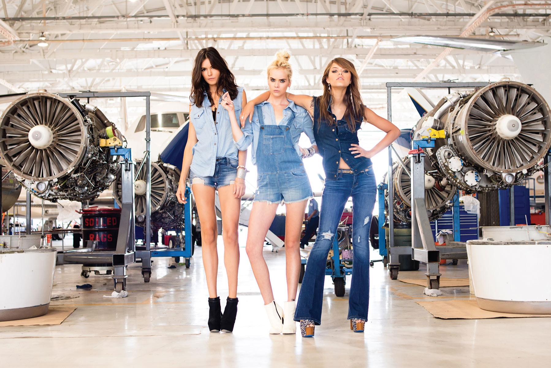 Short Bootcut Jeans - Jeans Am