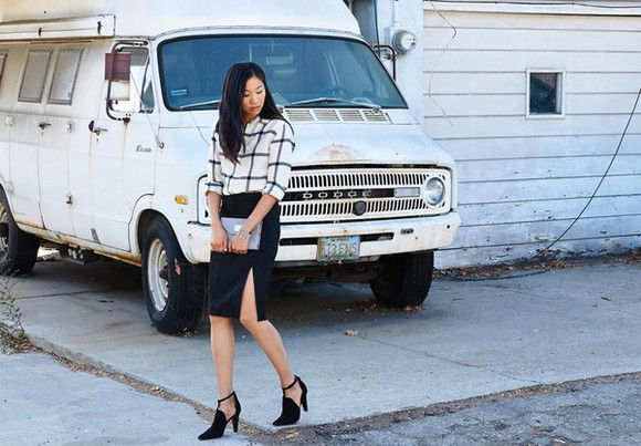 slit skirt blogger dance in my closet checkered cut-out black shoes jumper pouch