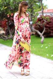 marilyn'scloset,blogger,dress,shoes,bag,jewels,clutch,summer dress,maxi dress,floral dress,sandals,wedges,summer outfits,maternity dress