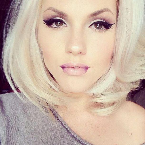 make-up eyeliner black eye nude lipstick blonde hair nude makeup mascara winged eyeliner perfect glamour