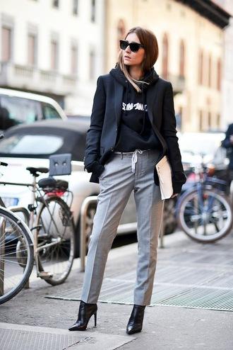 le fashion image blogger sunglasses jacket sweater jeans pants