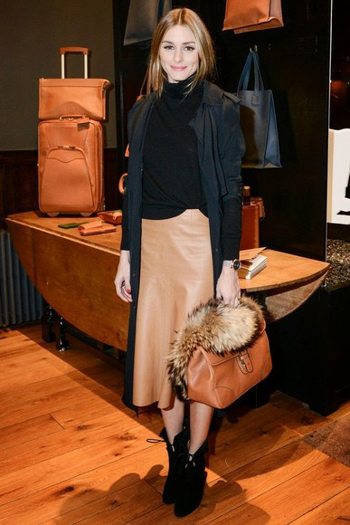 olivia palermo fall outfits boots skirt leather skirt bag camel