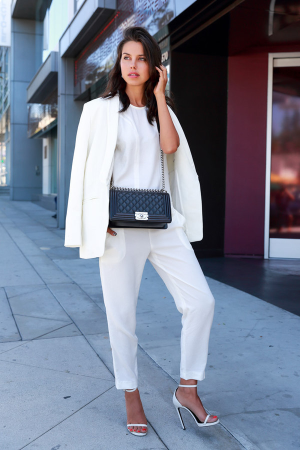 viva luxury blogger jumpsuit jacket bag jewels