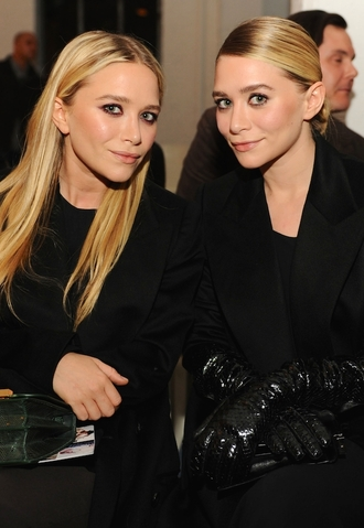 blogger bag olsen sisters mary kate olsen ashley olsen gloves coat