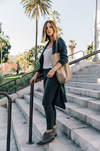 take aim blogger leather tote bag duck boots