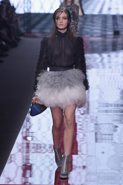 skirt feathers fashion blouse fashion week 2015