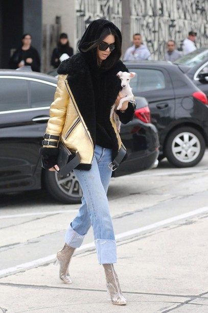 jacket tumblr gold jacket metallic metallic jacket sweater black sweater denim jeans blue jeans cuffed jeans boots clear boots transparent boots high heels boots ankle boots kendall jenner celebrity style celebrity model model off-duty streetstyle sunglasses hoodie black hoodie vue boutique chucky heels shoes