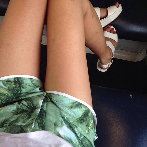 shorts top tumblr jungle leaves palm tree print white green soft grunge indie pale grunge urban grunge t shirt.