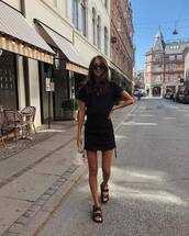 skirt,mini skirt,black sandals,black t-shirt,mini bag,sunglasses,chain necklace