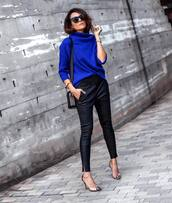 sweater,knitted sweater,cashmere jumper,pants,skinny pants,leather pants,pumps,high heel pumps,shoulder bag,sunglasses