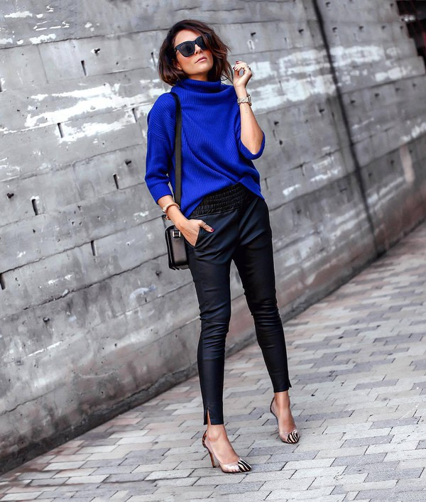 sweater knitted sweater cashmere jumper pants skinny pants leather pants pumps high heel pumps shoulder bag sunglasses