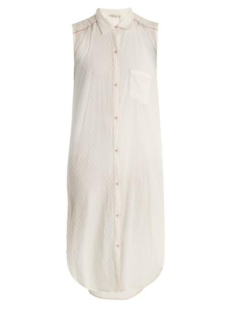 shirt sleeveless long white top