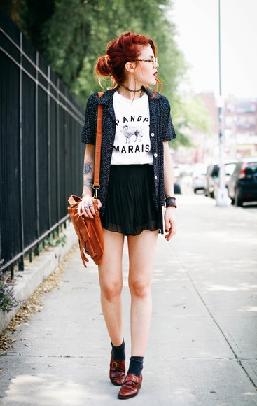 skirt blouse mini skirt shoes le happy bag hipster goth hipster gothic leather paris leather bag glasses vintage blogger necklace bracelets marais quote on it t-shirt leather shoes