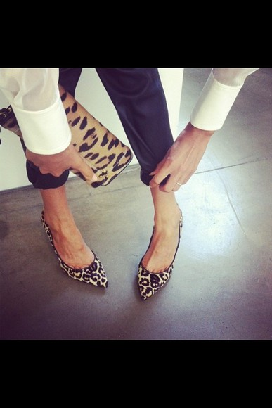 shoes leopard print cluch elegant summer outfits spring ballet flats
