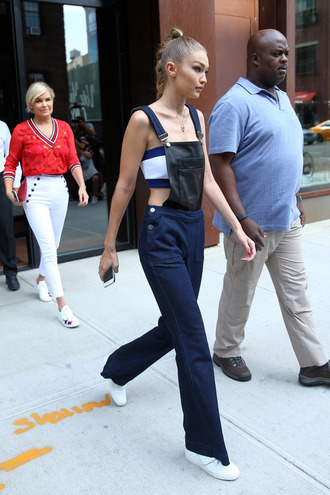 top bandeau jeans overalls tommy hilfiger sneakers gigi hadid streetstyle ny fashion week 2016