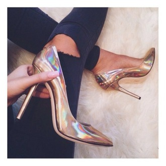 shoes metallic pearlized metallic shoes tan heels nude heels high heels cute high heels gold holographic fashion holographic shoes pinterest shorts heels