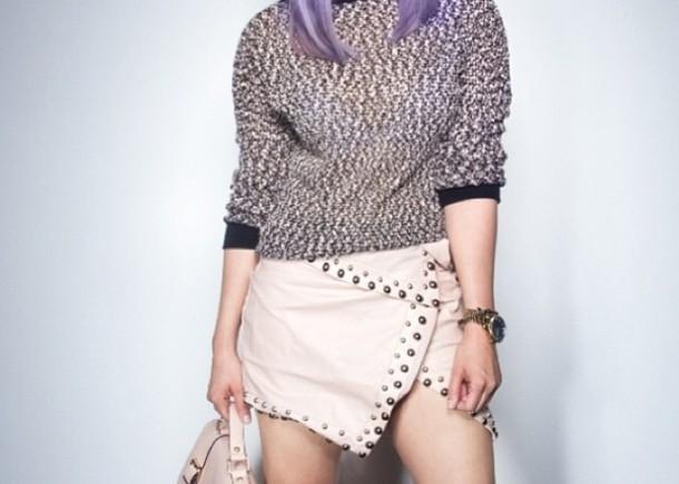 shirt pink skirt