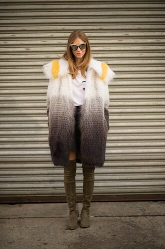 the blonde salad blogger fur coat ombre suede boots cat eye coat shoes t-shirt sunglasses