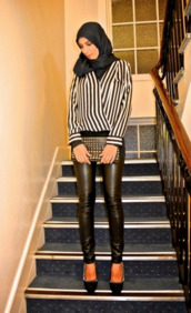 bag,pumps,ootn,chic,oversized clutch,clutch,studs,cute,edgy,pleather,faux leather leggings,leggings,black,white,vertical stripes,black and white striped blouse,blouse,heels,high heels,head scarf,shoes,hijab