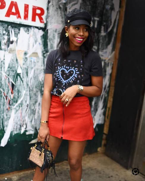 bag handbag mini bag mini skirt printed t-shirt fisherman cap earrings