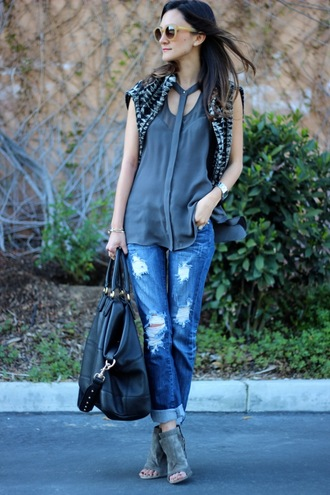 sweater jeans t-shirt bag sunglasses frankie hearts fashion boyfriend jeans