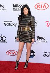 dress,billboard music awards,kylie jenner,stripes,sandals,shoes,kardashians,gold,black,black dress,gold details,gold dress,sexy dress,sexy,mini dress,keeping up with the kardashians