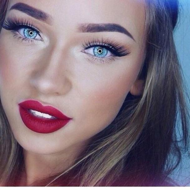 make-up matte red lipstick