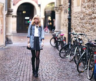 bekleidet blogger blouse denim shirt skater skirt jewels hair accessory