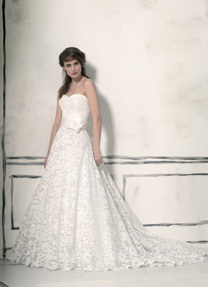 Wedding dress & bridal gown designer