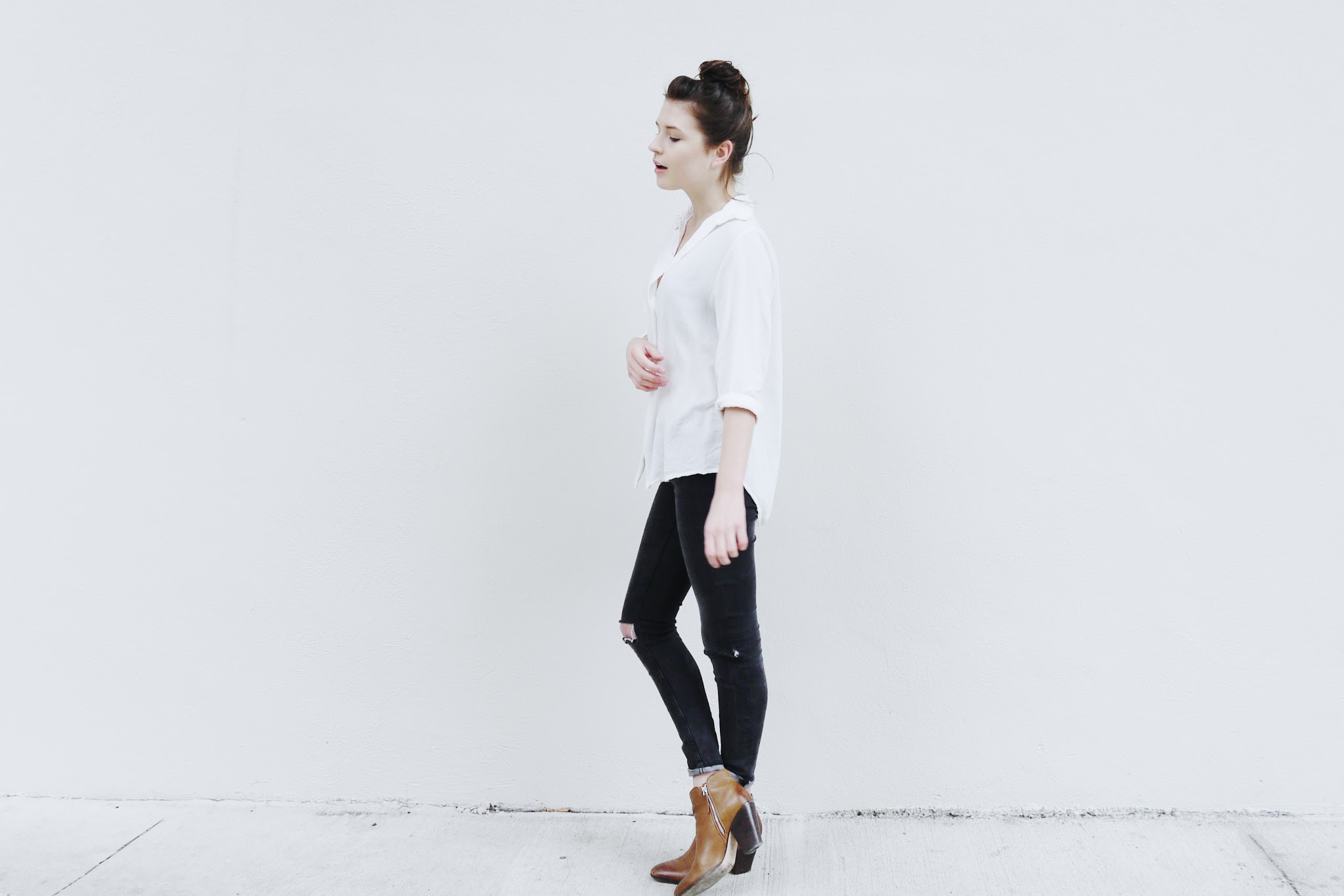 fire on the head : bright now / brandy melville