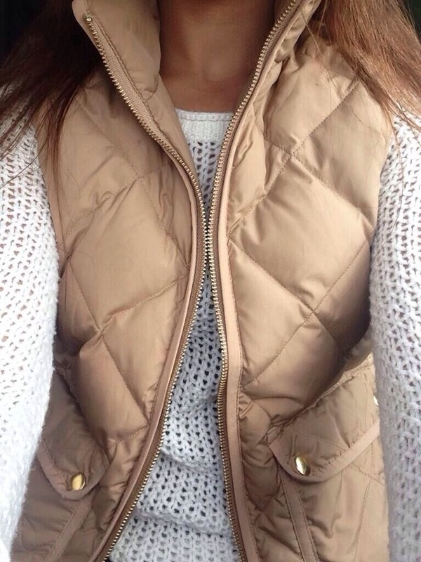 coat jacket vest jumper top tan puffer vest beige knit sweater blouse sweater style cream goldish puffer vest white knit sweater nude winter outfits winter outfits clothes stylish christmas down jacket cardigan quilted vest vest top tan brown classy winter outfits fall outfits white knit puffy vest gold mango white sweater