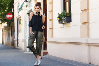the mysterious girl blogger top pants bag jewels