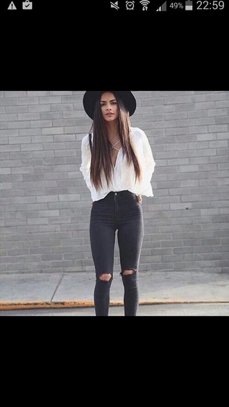 t-shirt fashion hat pants blouse white black beautiful casual jeans