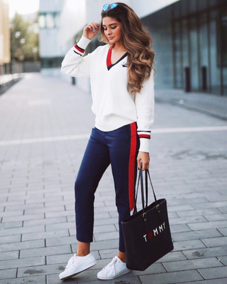 sweater white sweater tommy hilfiger v neck pants blue pants side stripe pants sneakers white sneakers low top sneakers bag tote bag