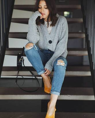 jeans blue jeans shoes yellow shoes handbag black handbag bag