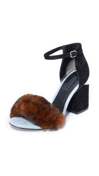 fur pumps shoes