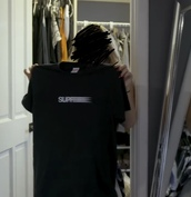 shirt,supreme,black,hype,hypebeast