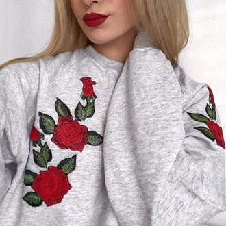 sweater sweat flowers roses grey sweatshirt embroidered gris roses rouges roses brodées red roses rouge red red flowers pull grey sweater pull gris