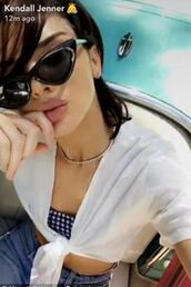 top,crop tops,kendall jenner,model off-duty,snapchat,sunglasses,kardashians
