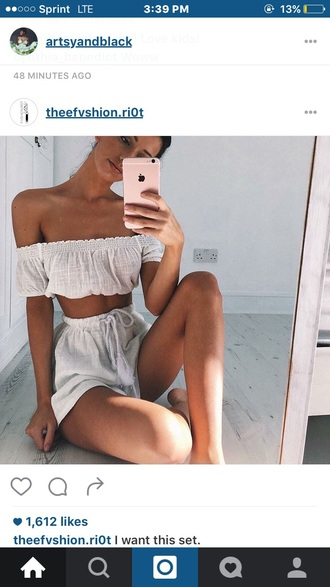 top white summer outfits off the shoulder crop tops flowy