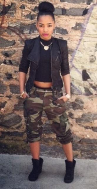 shorts kilonilee kiloni lee @kilonilee black video camo camouflage camo shorts camoflauge shorts red lime sunday