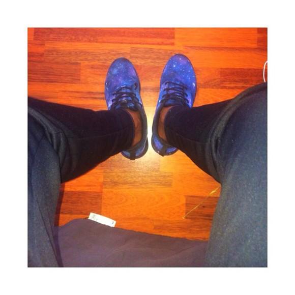 galaxy print shoes roshe's
