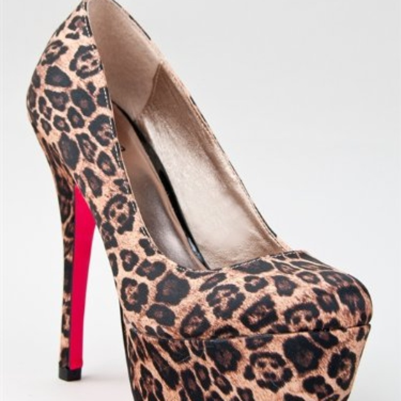 Brown Pumps / High Heels - Leopard Print Extreme Platform Heels | UsTrendy