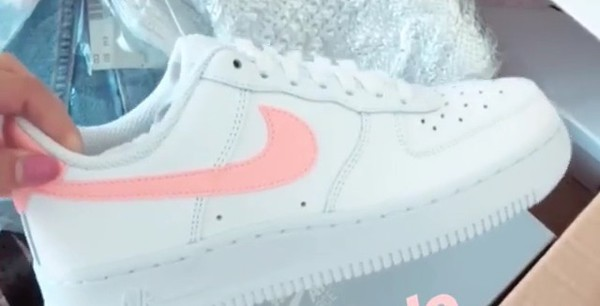 Nike Air Force 1 07 White Oracle Pink White Hers trainers